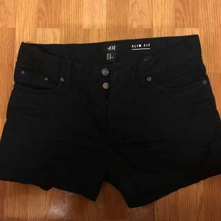 H&M 黑色 四排釦 短褲
