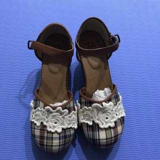 日本品牌格紋蕾絲跟鞋