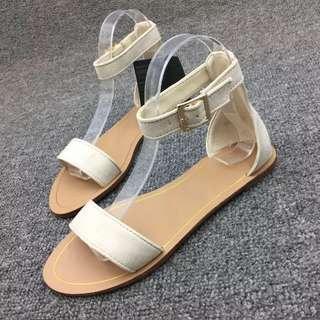 《早·衣服》花現4月🌹簡簡單單的乾淨一字帶平底涼鞋羅馬鞋(預)