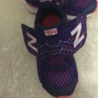 4T new balance shoe
