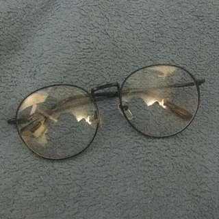 Eyeglasses / Specs