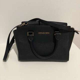 Authentic Michael Kors Hangbag