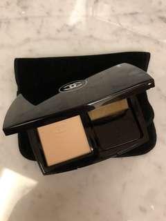 Chanel Vitalumiere Compact Powder - B20 Beige