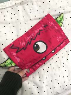 Moster Pouch