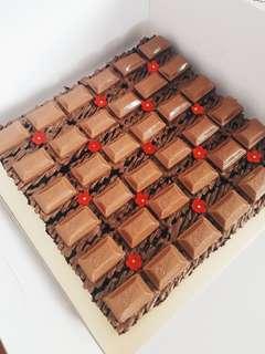 (36 pcs) Halal Cadbury Fudgy Brownies