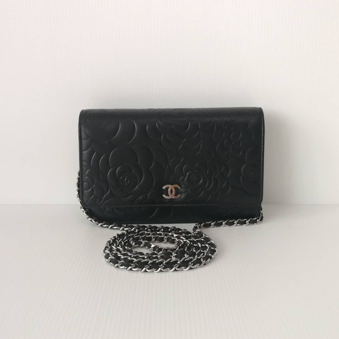 3876ef4ae315 Authentic Chanel WOC Camellia