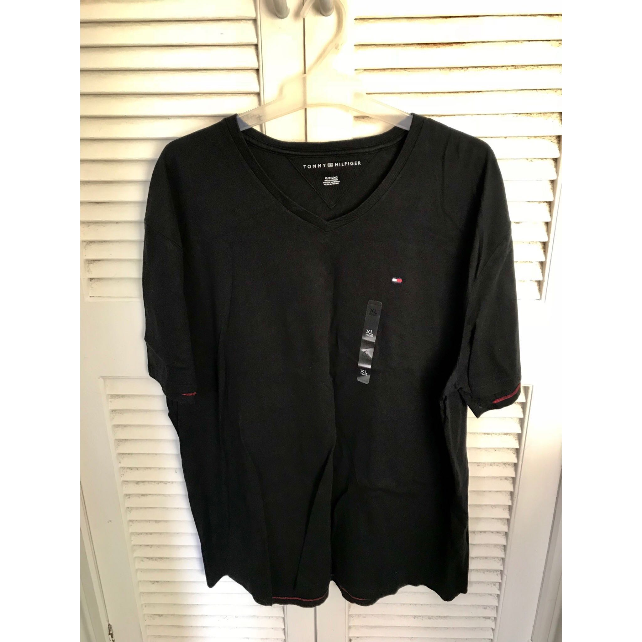 Black Tommy Hilfiger T -Shirt