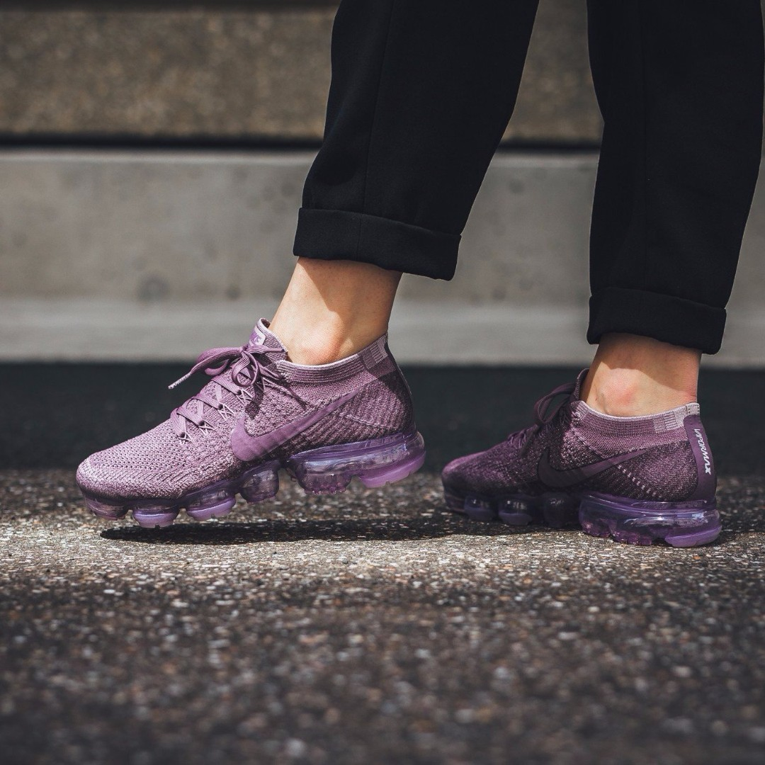 45d6c3bac19 Nike Air VaporMax Flyknit Day to Night  Violet Dust