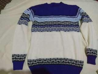 Sweater Rajut Tribal Biru Putih size L