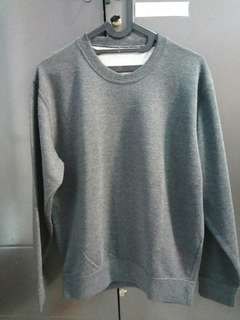 Sweater uniqlo original(crewneck)