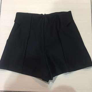 全新 購入400 特殊剪裁口袋 後拉鍊 短褲 高腰褲#女裝半價