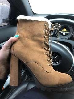 Aldo Boots 20$