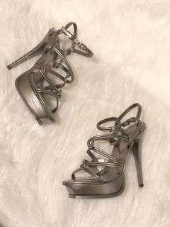 Price DROP ✨ Wayne Cooper - Alessandra Gunmetal Heels