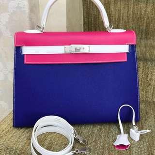 全新 Hermes Kelly 32 高級VIP馬蹄印定制🤟🏻電光藍⚡️糖果粉🌸白雪公主👸 EPSOM皮 外縫,拉絲銀扣🌪 三拼現在都絕版了,超級好價Hkd 1xxxxx  🛍設有正品奢侈品出售、回收、寄賣、代購服務🐎