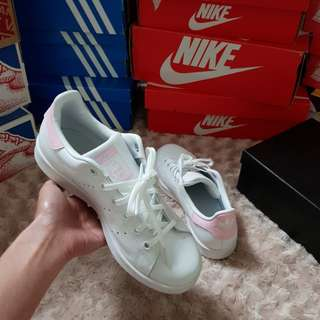 Adidas Smith Stan 白色粉尾