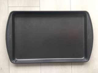 BRAND NEW BAKING PAN