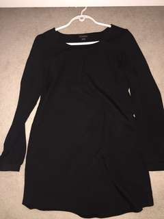 Basic black long sleeve shift dress