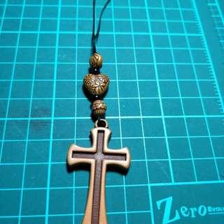 🚚 十字架吊飾