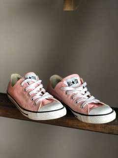 Converse Pink Runners size 6.5
