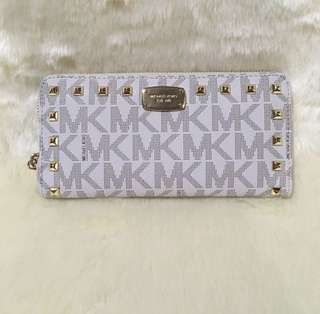 MICHAEL KORS VANILLA STUDDED ON HAND SALE‼️