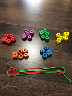 Pre-loved in very good condition Melissa & Doug wooden primary lacing beads