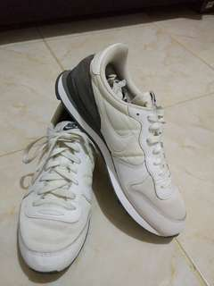 Nike white original
