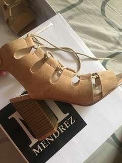 Menderez Brown Camel High Heels
