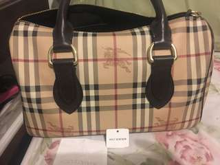 Authentic Burberry bag w/ reciept