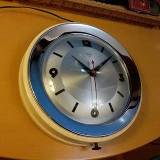11吋鑽石牌電鐘