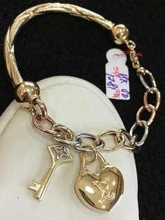 18K Bracelet w Charms