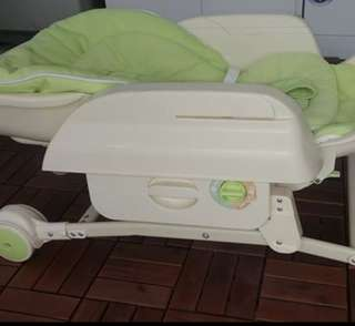 Combi Wii feeding high chair bed Nt baby cot bumbo
