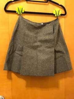 Authentic Miu Miu 灰色短裙 made in Italy