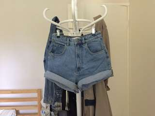 Zara highwaisted Mom-Shorts Size 6 / 34 // Shorts // Glassons // Levi's // Universal Store // Glue Store