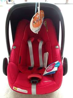 Maxi cosi pebble plus car Seat I size compliant(can be used on airplane)