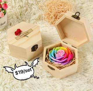 ⚡️❗️FLASH DEAL @ $19❗️⚡️❤️Get this for your LOVED ONE, let her/him know that your eyes 👁 ONLY have her/him 🤗 Handmade flower soap rose gift box that are beautifully hand crafted 😁 Comes with a nice paper carrier😊