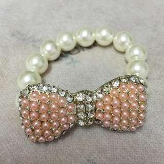 珍珠款 蝴蝶結 手鏈 手鍊一條 Pearl style Bow tie Bracelet