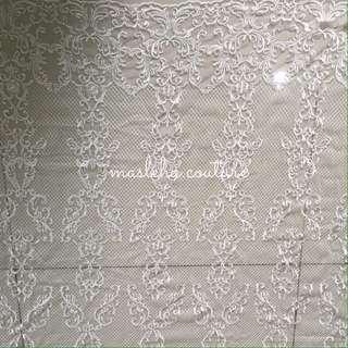 Suraya lace