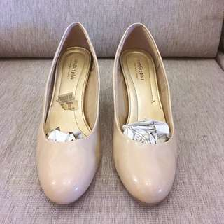 Nude / Beige Shoes with Heels Pumps size 10