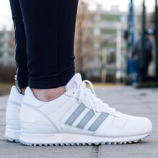 二手 adidas 白色休閒鞋