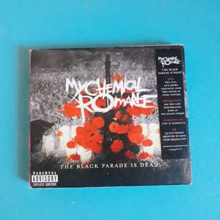 MCR THE BLACK PARADE IS DEAD