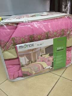 SINGLE FITTED BEDSHEET WITH COMFORTER SET