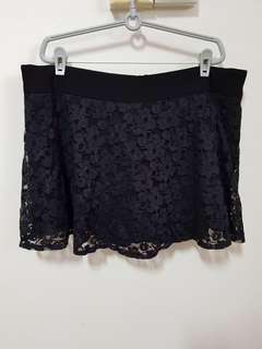 Black lace skort (plus size)