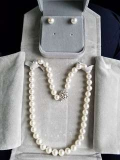 """Set of Japanese Cultured Pearl Necklace and 18K750 White Gold Cultured Pearl Earrings 8.5~9mm 18""""Long 日本珍珠頸鏈連耳環套裝"""