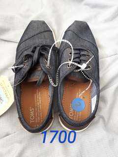 TOMS shoes for kids unisex 100% authentic