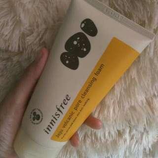 Innisfree jeju volcanic pore cleanser foam
