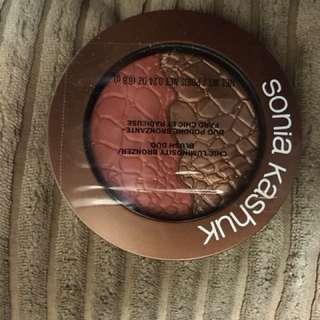 Luminosity bronzer/blush