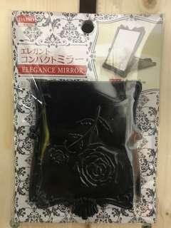 日本Daiso黑玫瑰花鏡 / Daiso (japan) black rose pocket mirror