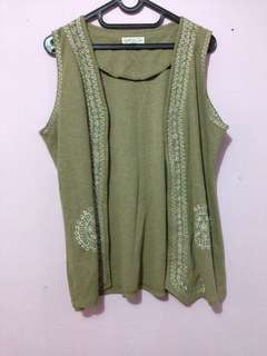 Green etnic outer