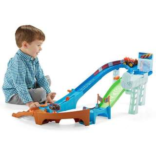Fisher price Blaze and the Monster Machines™ Flip & Race Speedway
