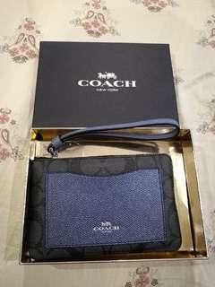 Bnwt auth coach wristlet